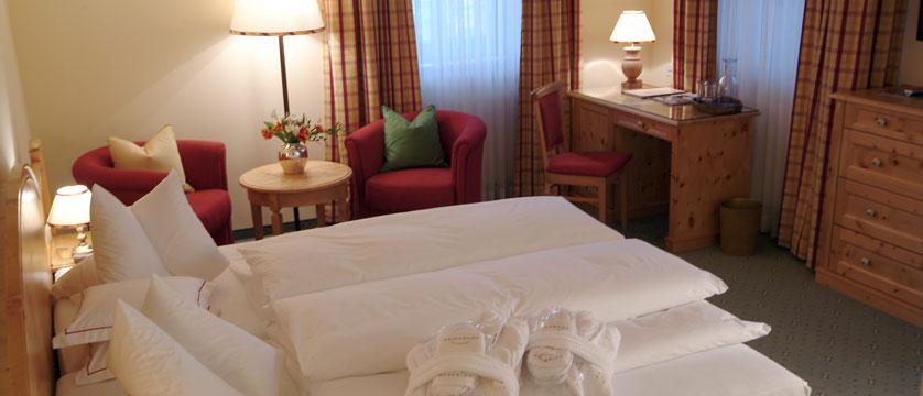 Hotel Kaiserhof, Kitzbühel, Austria - Double bedroom interior.jpg